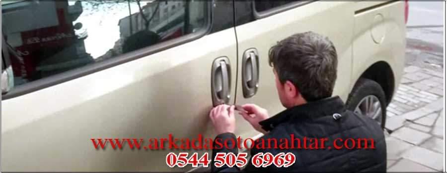 Maymuncukla Araba Kapısı Açma